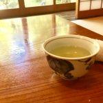 家庭訪問でお茶のペットボトル出すのは良いのか?